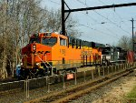 BNSF 7159, NS 1105 on train K040
